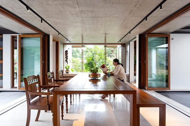 Nhà gỗ nhìn ngoài đơn giản nhưng bên trong đẹp khó rời mắt - Ảnh 5.