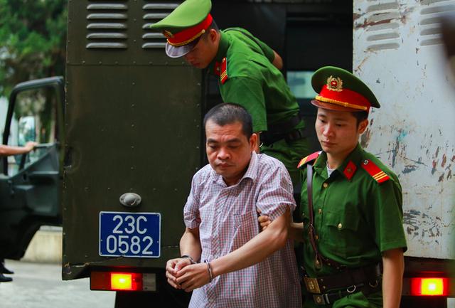 Tuyên án 5 cựu cán bộ vụ sửa điểm thi ở Hà Giang - Ảnh 4.