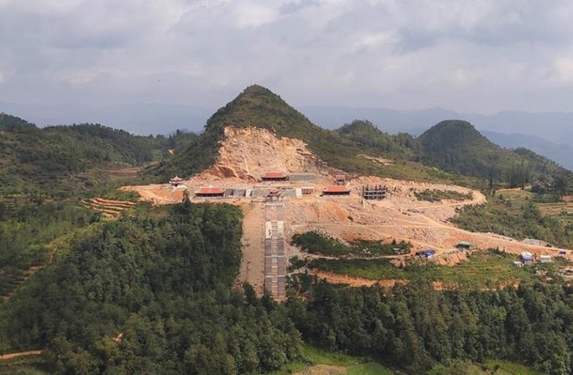 """Bộ Văn hóa """"tuýt còi"""" dự án phá núi xây khu du lịch tâm linh nơi địa đầu Tổ quốc - Ảnh 2."""