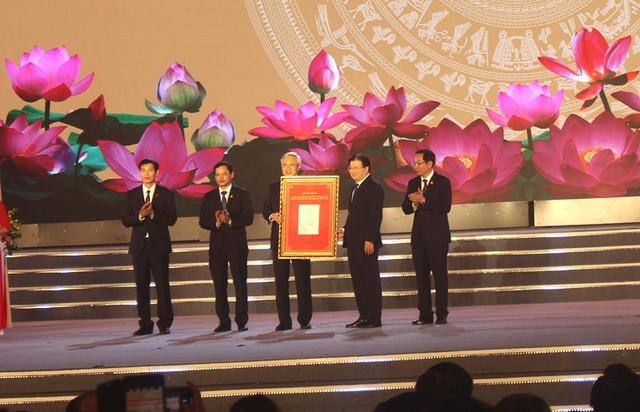 Vị khách đặc biệt xuất hiện tại Lễ hội đường phố Hải Dương - Ảnh 4.