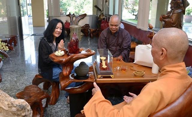 Những người vợ hậu phương kín tiếng của các tỷ phú Việt - Ảnh 3.