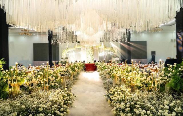 Lâm Khánh Chi hé lộ chi tiết về đám cưới tập thể cho 10 cặp đôi LGBT: Chi phí hơn 2 tỷ, không gian vô cùng hoành tráng! - Ảnh 5.