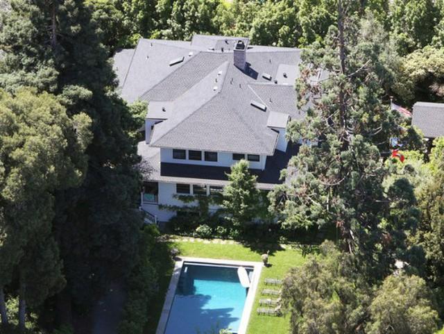 Nằm trong top giàu nhất thế giới nhưng nhiều người sốc nặng khi biết căn nhà mà ông chủ facebook đang ở được mua theo kiểu vay thế chấp  - Ảnh 3.