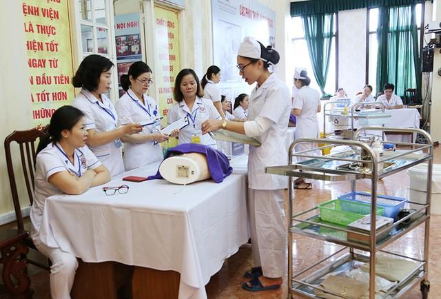 Quảng Ninh: Đẩy mạnh công tác điều dưỡng góp phần nâng cao chất lượng khám, chữa bệnh - Ảnh 1.