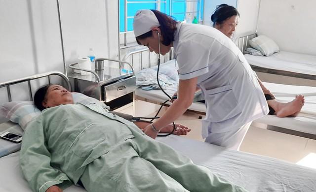 Quảng Ninh: Đẩy mạnh công tác điều dưỡng góp phần nâng cao chất lượng khám, chữa bệnh - Ảnh 3.