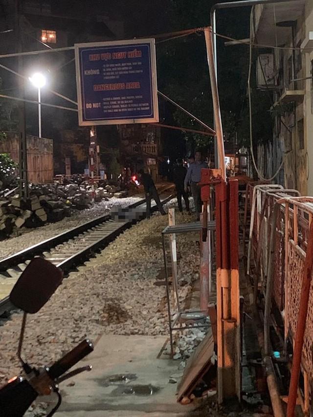 Một người tử nạn gần phố cà phê đường tàu - Ảnh 1.