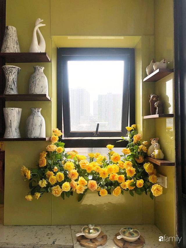 Căn bếp nhỏ chứa vạn đồ hữu ích lại còn rợp hoa của bà mẹ Hà Nội - Ảnh 29.