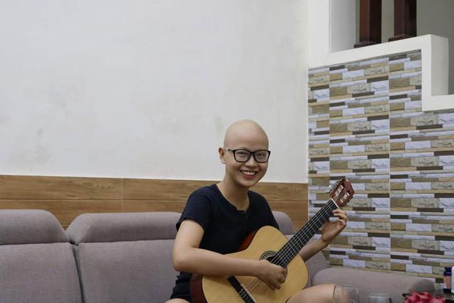 Cuộc chiến giành sự sống của cô gái Hải Phòng cạo trọc đầu vì bị ung thư vú - Ảnh 3.