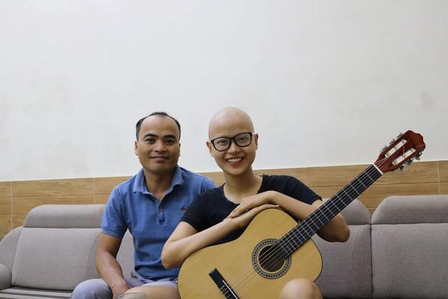 Cuộc chiến giành sự sống của cô gái Hải Phòng cạo trọc đầu vì bị ung thư vú - Ảnh 2.