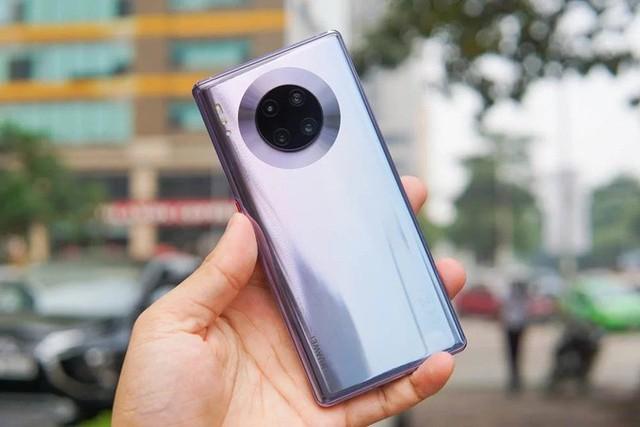 5 smartphone nổi bật bán trong tháng 10 - Ảnh 1.