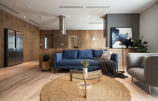 Căn hộ view Hồ Tây hiện đại, sang trọng sau cải tạo với nội thất gỗ tần bì - Ảnh 1.