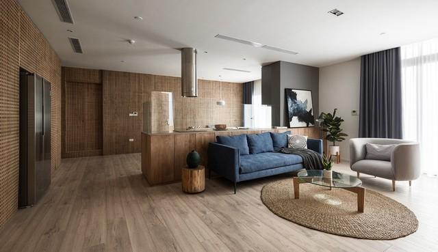 Căn hộ view Hồ Tây hiện đại, sang trọng sau cải tạo với nội thất gỗ tần bì - Ảnh 2.