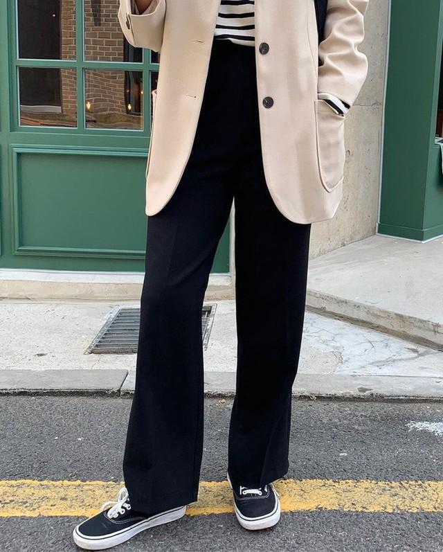 """Diện với áo gì cũng """"auto"""" đẹp lại hô biến chân thon dài, quần ống suông chính là item bạn nên tích cực diện - Ảnh 26."""