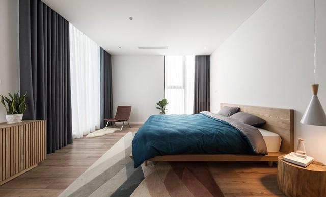 Căn hộ view Hồ Tây hiện đại, sang trọng sau cải tạo với nội thất gỗ tần bì - Ảnh 8.