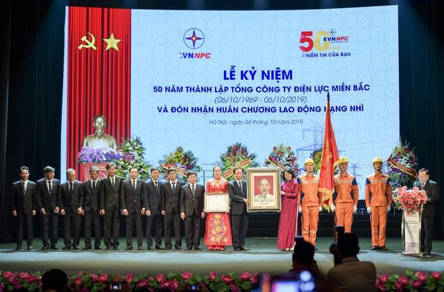 Lễ kỷ niệm 50 năm ngày thành lập (6/10/1969-6/10/2019) và đón nhận Huân chương lao động Hạng Nhì của Tổng công ty Điện lực miền Bắc - Ảnh 2.
