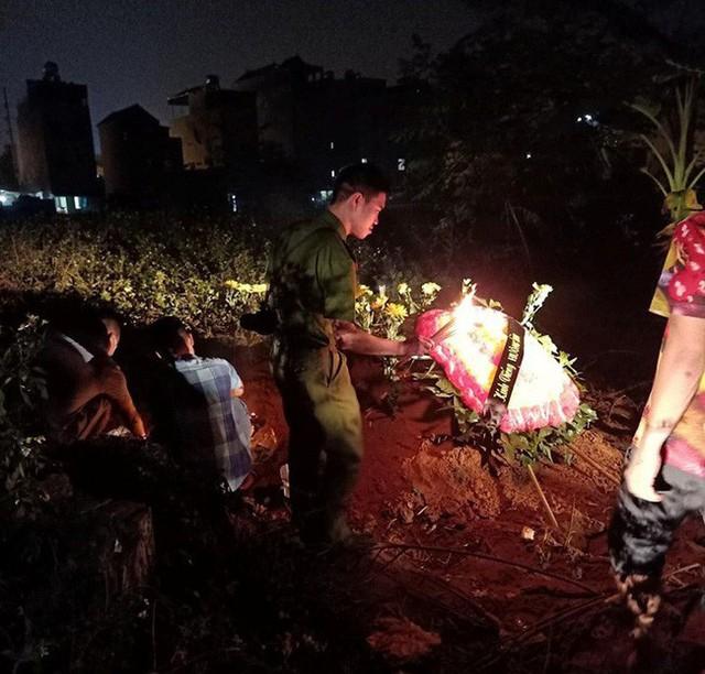 Chôn cất nam thanh niên bị tai nạn được 3 ngày, 2 gia đình ở Hà Nội đến xin nhận người thân - Ảnh 1.