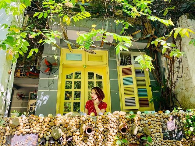 Thu sang, lang thang 5 quán cà phê view tình, đẹp nhất Hà Nội - Ảnh 20.
