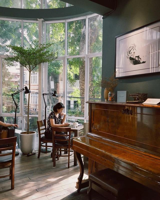 Thu sang, lang thang 5 quán cà phê view tình, đẹp nhất Hà Nội - Ảnh 3.
