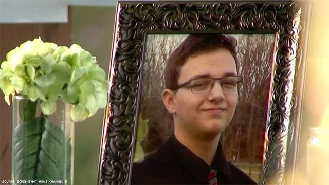 Bị bạn tung tin nhắn với người yêu đồng giới lên mạng, cậu bé 16 tuổi lựa chọn cái kết đầy bi kịch cho chính mình - Ảnh 3.