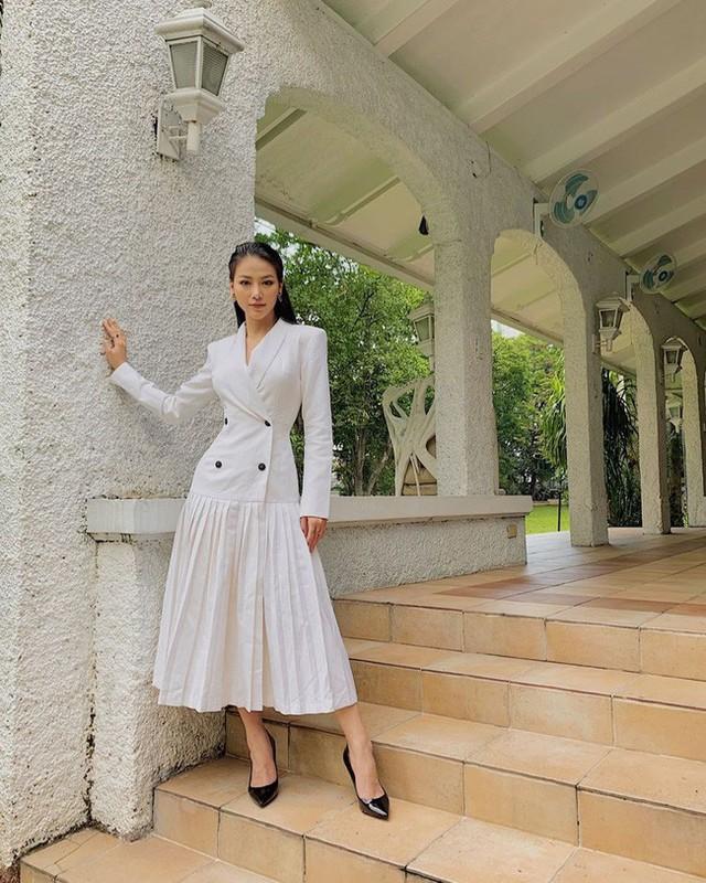 Cũng chịu khó mặc điệu, nhưng HH Phương Khánh vẫn nhiều lần đánh tụt cảm xúc người nhìn vì lỗi diện đồ phổ biến - Ảnh 4.