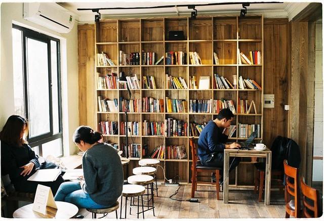 Thu sang, lang thang 5 quán cà phê view tình, đẹp nhất Hà Nội - Ảnh 4.