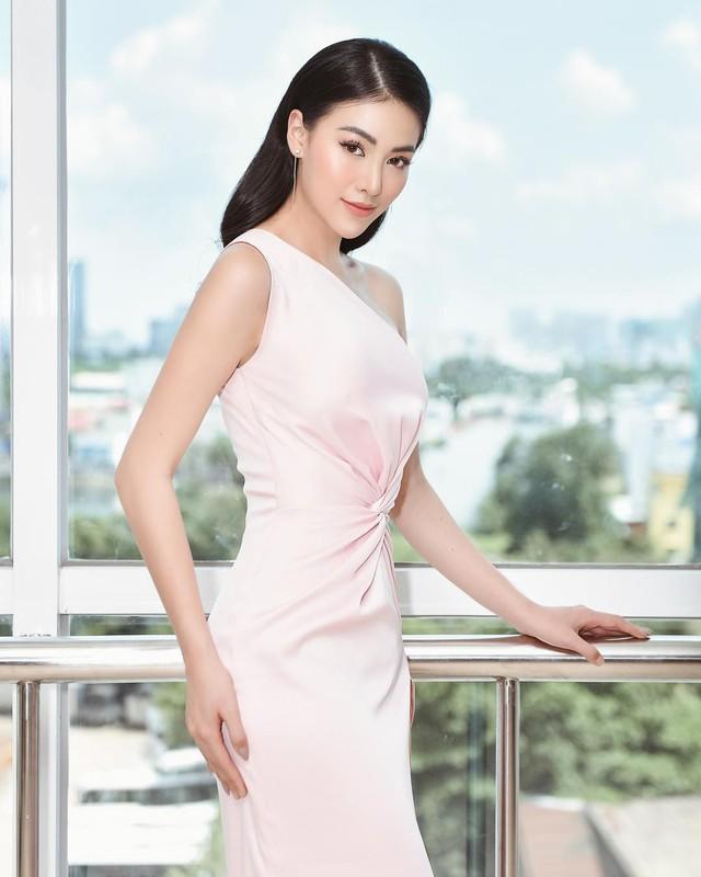 Cũng chịu khó mặc điệu, nhưng HH Phương Khánh vẫn nhiều lần đánh tụt cảm xúc người nhìn vì lỗi diện đồ phổ biến - Ảnh 7.