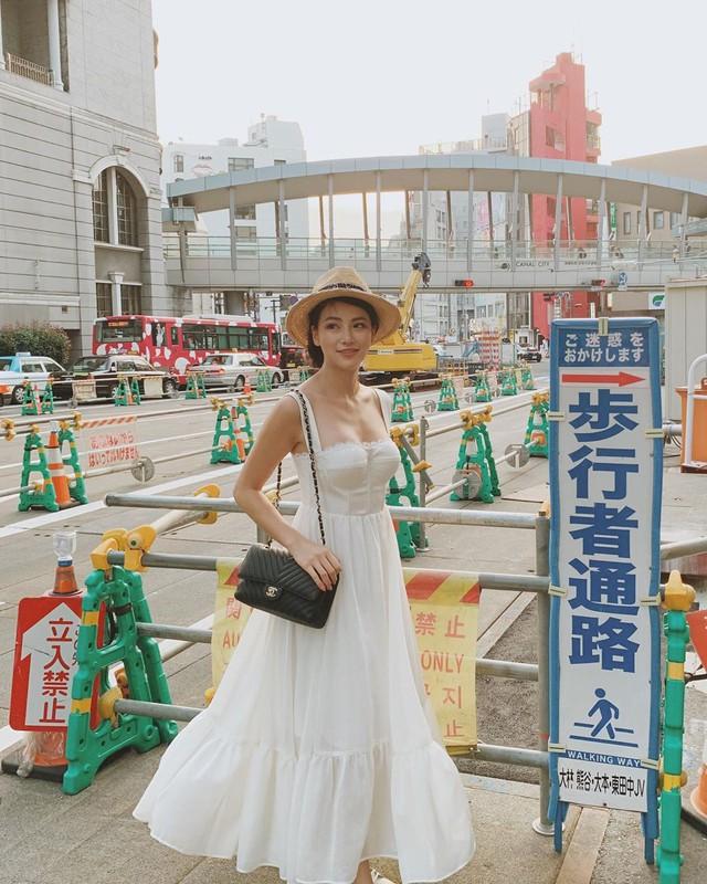 Cũng chịu khó mặc điệu, nhưng HH Phương Khánh vẫn nhiều lần đánh tụt cảm xúc người nhìn vì lỗi diện đồ phổ biến - Ảnh 8.