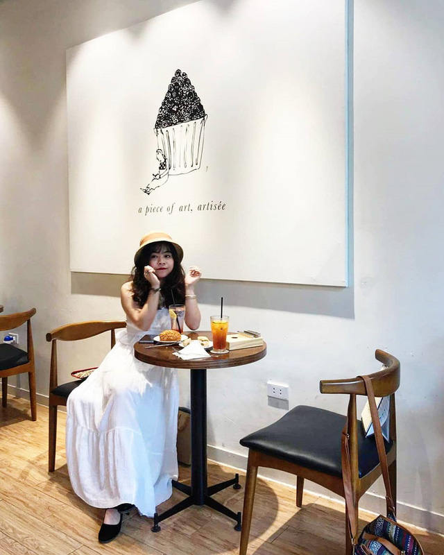Thu sang, lang thang 5 quán cà phê view tình, đẹp nhất Hà Nội - Ảnh 9.