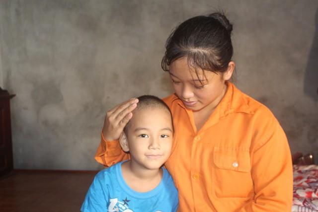 Tận cùng nỗi đau của người mẹ nghèo có con trai 6 tuổi mắc bệnh ung thư máu - Ảnh 13.