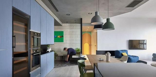 Căn hộ màu xanh đậm có cách sắp đặt nội thất khoa học tuyệt vời - Ảnh 14.