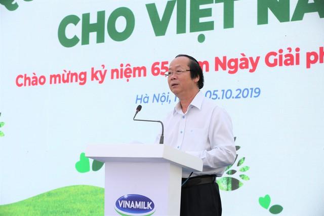 Vinamilk chung tay bảo vệ môi trường thủ đô thông qua quỹ 1 triệu cây xanh cho Việt Nam - Ảnh 2.