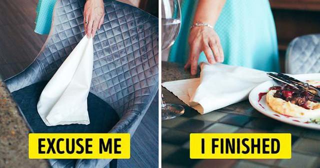 18 quy tắc lịch sự trên bàn ăn không phải ai cũng biết  - Ảnh 2.