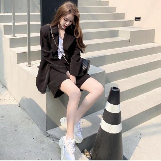 Level mặc đẹp của nàng công sở sẽ thăng hạng vài nấc nhờ 7 items sành điệu mùa thu - Ảnh 19.