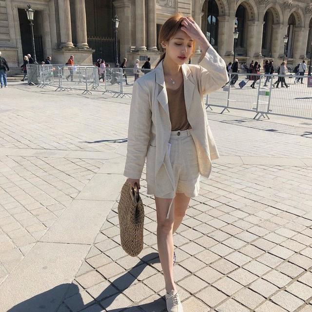 Level mặc đẹp của nàng công sở sẽ thăng hạng vài nấc nhờ 7 items sành điệu mùa thu - Ảnh 20.