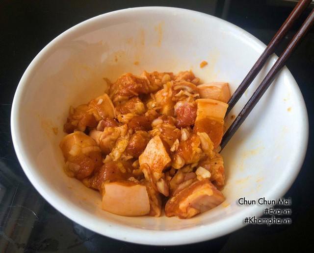 Thịt ba chỉ kho dưa cải chua khiến cơm nấu bao nhiêu cũng hết  - Ảnh 3.