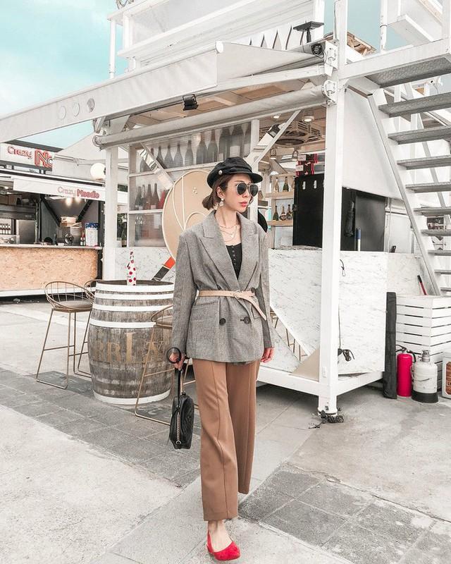 Level mặc đẹp của nàng công sở sẽ thăng hạng vài nấc nhờ 7 items sành điệu mùa thu - Ảnh 3.