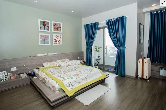 Chủ nhà gộp ba căn hộ để có phòng khách hơn 100 m2  - Ảnh 9.