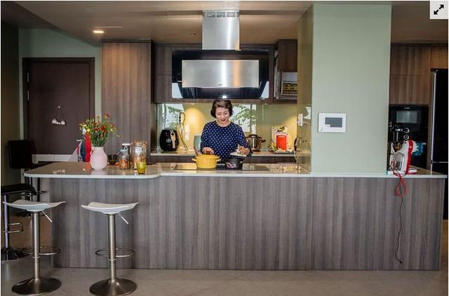 Chủ nhà gộp ba căn hộ để có phòng khách hơn 100 m2  - Ảnh 3.
