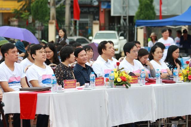 Mất cân bằng giới tính khi sinh sẽ ảnh hưởng tiêu cực tới cấu trúc dân số Việt Nam - Ảnh 3.