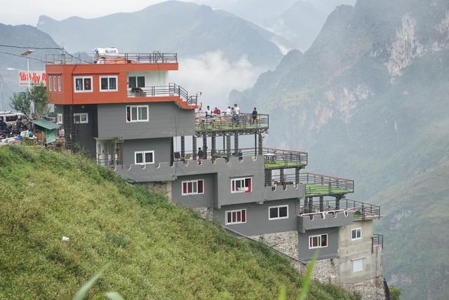 """Panorama """"mọc"""" trên đỉnh Mã Pì Lèng: Đừng tạo áp lực để đi ngược với luật pháp - Ảnh 2."""