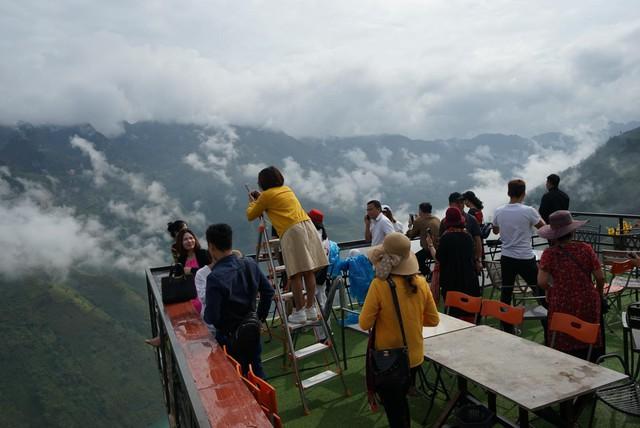 """Panorama """"mọc"""" trên đỉnh Mã Pì Lèng: Đừng tạo áp lực để đi ngược với luật pháp - Ảnh 5."""