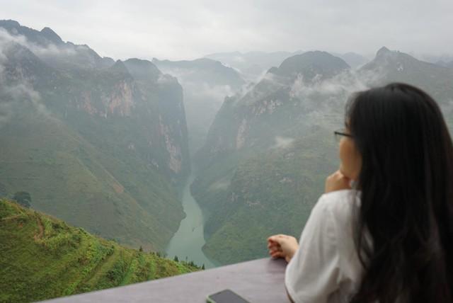 """Panorama """"mọc"""" trên đỉnh Mã Pì Lèng: Đừng tạo áp lực để đi ngược với luật pháp - Ảnh 4."""