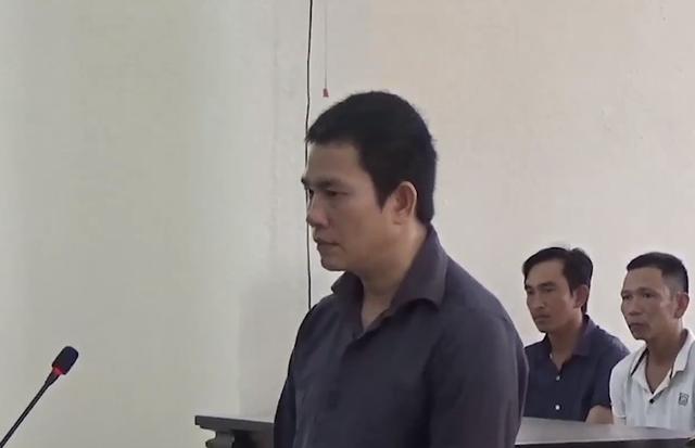 Lĩnh án tử hình vì sát hại vợ mới cưới bằng 10 nhát búa - Ảnh 1.