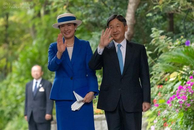 Hé lộ lịch trình và chiếc xe mui trần đặc biệt có 1-0-2 dành cho buổi diễu hành đăng cơ của Nhật hoàng Naruhito và Hoàng hậu Masako sắp tới - Ảnh 1.