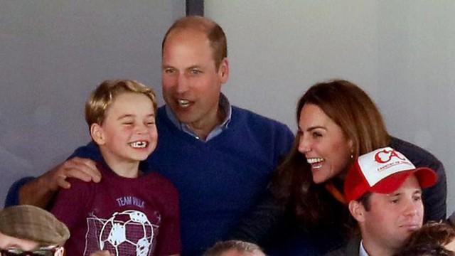 Hoàng gia có biến: Thái tử Charles chỉ trích bố mẹ Kate - Ảnh 1.
