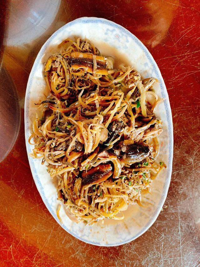 Kín tiếng lấy chồng đại gia, người đẹp Phan Thị Lý bỗng gây bất ngờ vì mâm cơm tuyệt đẹp - Ảnh 7.