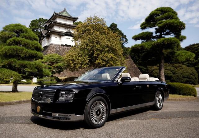 Hé lộ lịch trình và chiếc xe mui trần đặc biệt có 1-0-2 dành cho buổi diễu hành đăng cơ của Nhật hoàng Naruhito và Hoàng hậu Masako sắp tới - Ảnh 6.