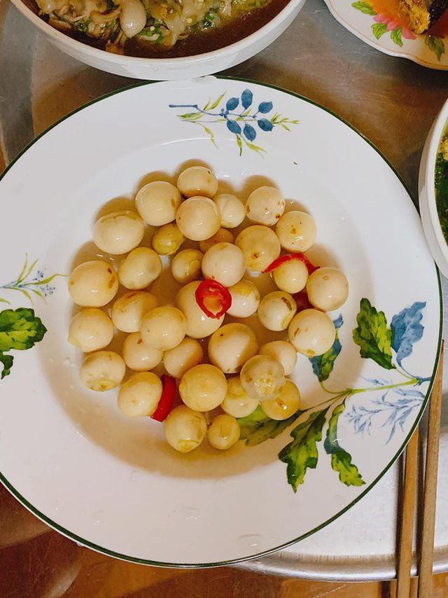 Kín tiếng lấy chồng đại gia, người đẹp Phan Thị Lý bỗng gây bất ngờ vì mâm cơm tuyệt đẹp - Ảnh 10.