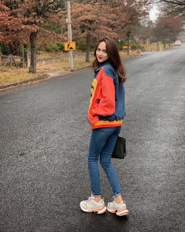 Học ngay 11 set đồ của Hoa hậu Hương Giang cách mix quần jeans từ đơn giản đến cá tính - Ảnh 9.