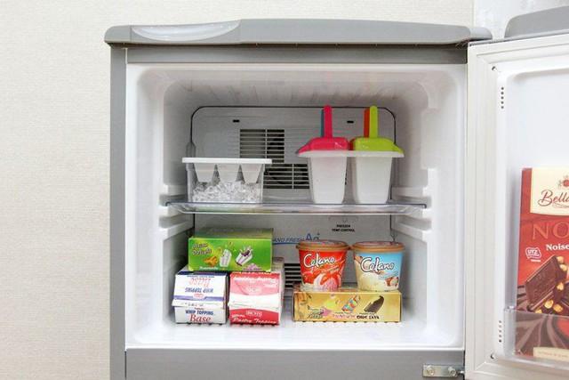 Tủ lạnh mới mua về, cần làm gì để dùng tủ được bền, tiết kiệm điện? - Ảnh 1.